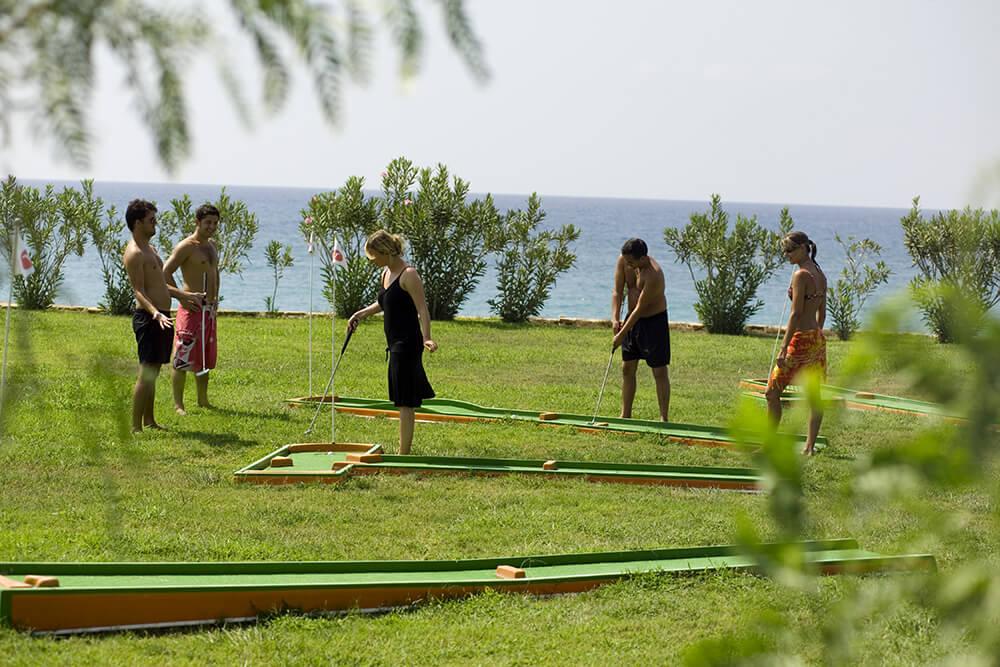 территория отеля Barbaross Pasha`s Beach Club