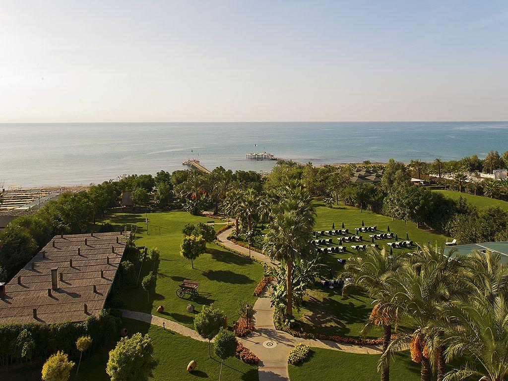 территория отеля Alva Donna Beach Resort Comfort