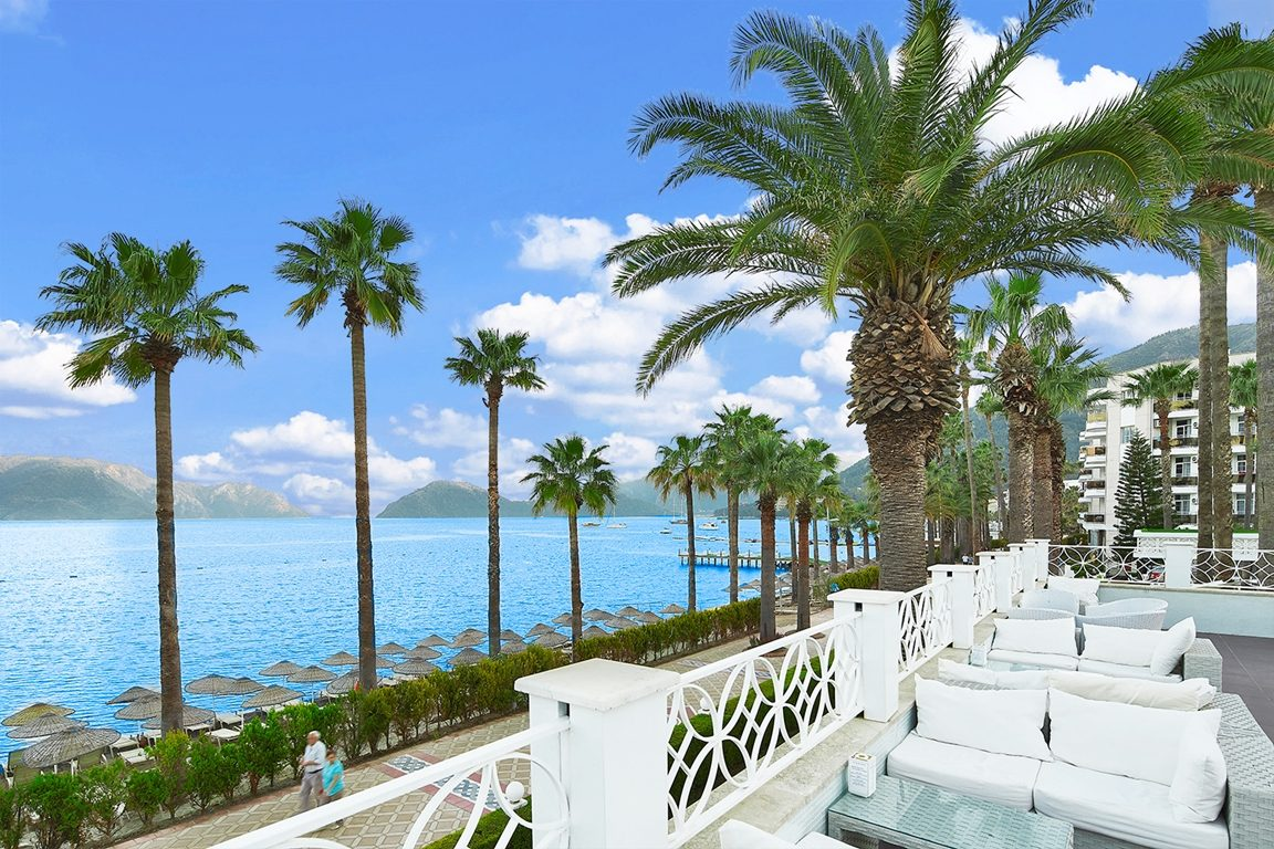 территория отеля Ideal Prime Beach