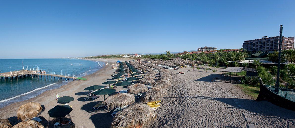 пляж отеля Justiniano Club Park Conti