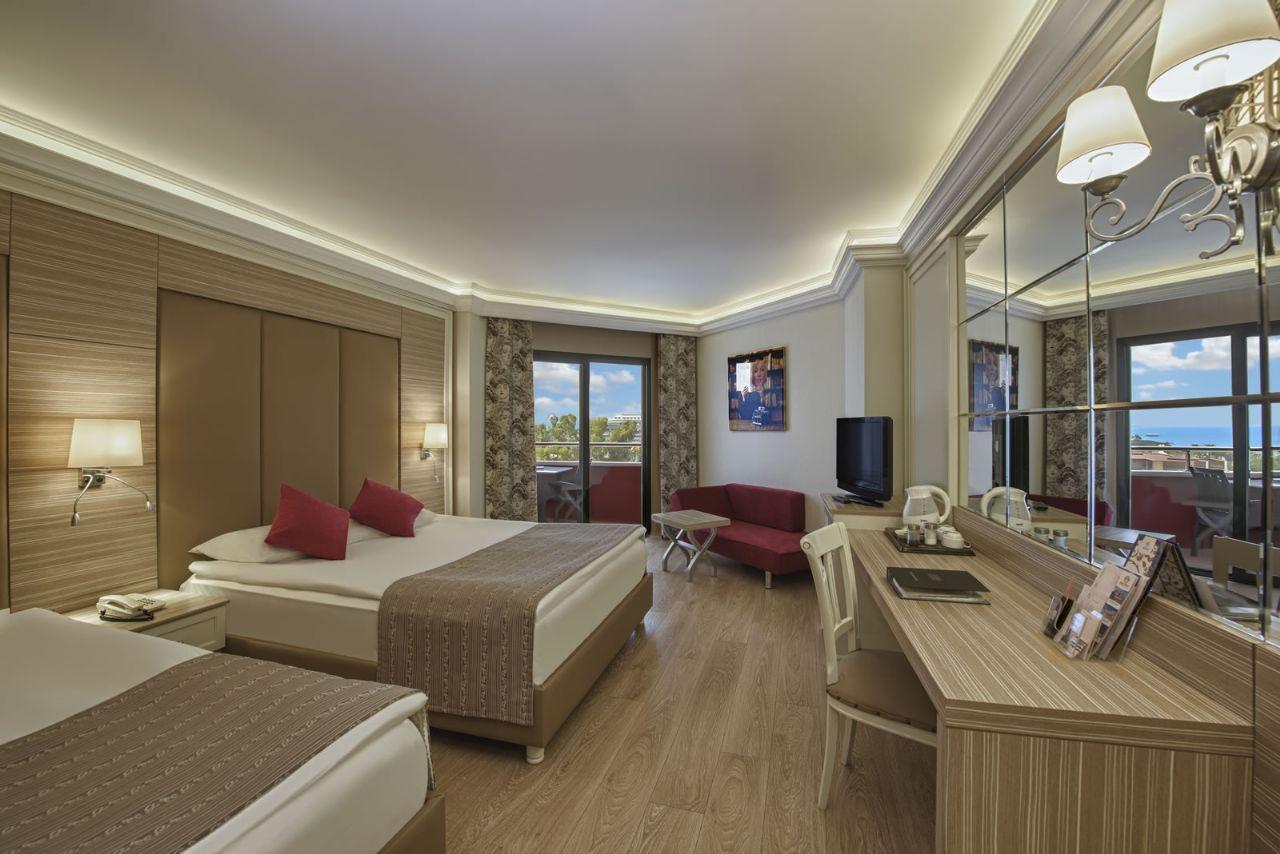 номер отеля Delphin Deluxe Resort