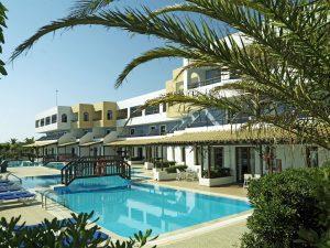 территория отеля Aldemar Paradise Village