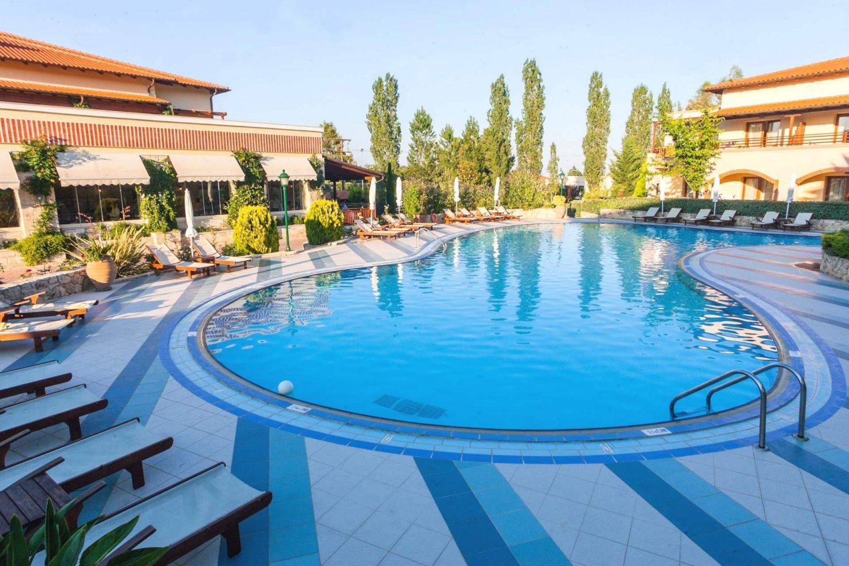 бассейн отеля Aegean Melathron Thalasso Spa Hotel