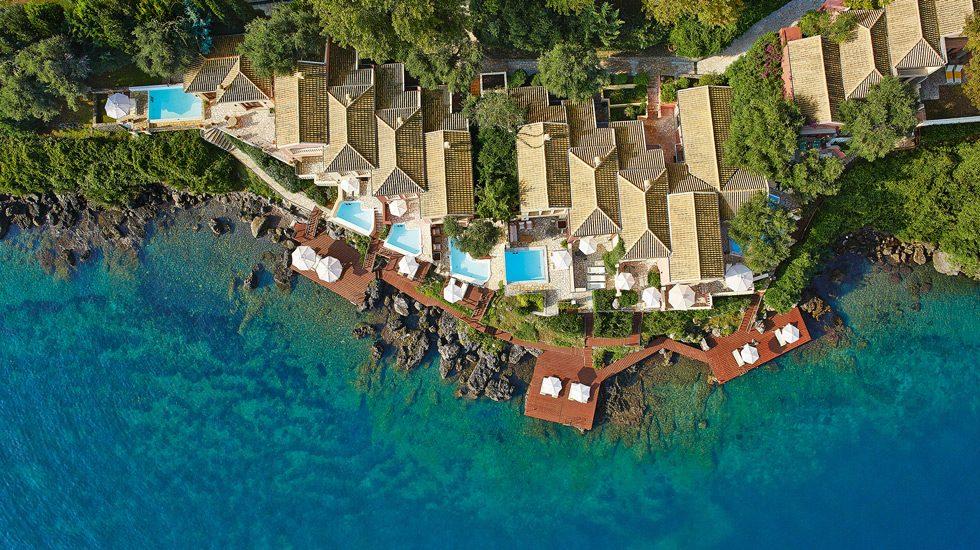 территория отеля Grecotel Corfu Imperial