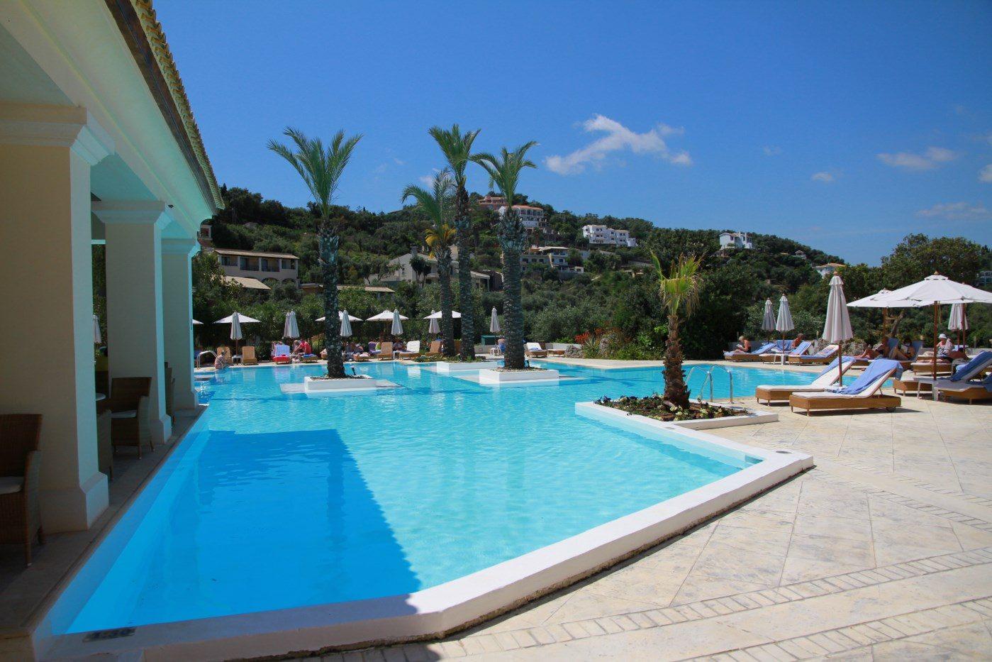 бассейн отеля Grecotel Eva Palace