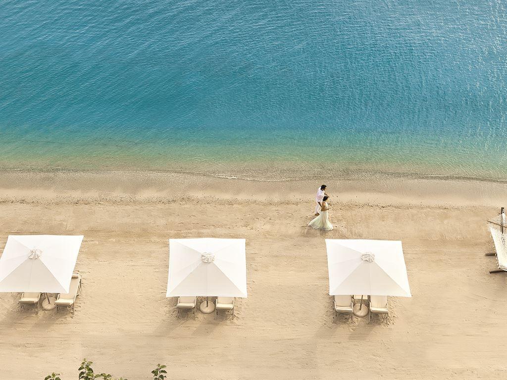 пляж отеля Ikos Olivia
