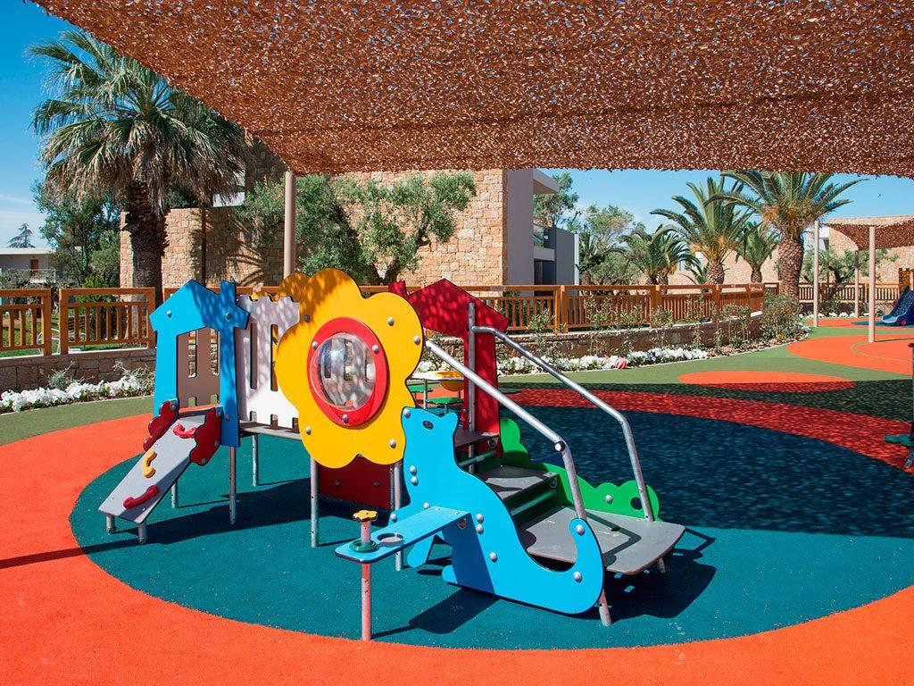 детская площадка отеля Ikos Olivia