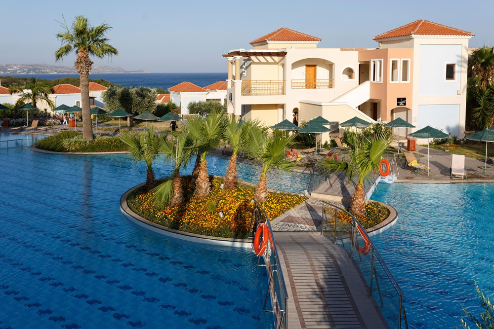 бассейн отеля Lindos Imperial Resort Spa