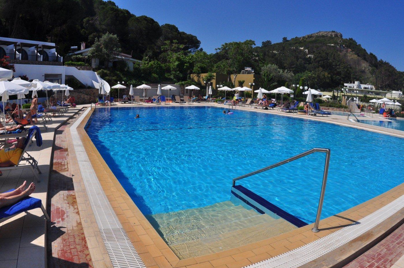 бассейн отеля Olympic Palace Hotel
