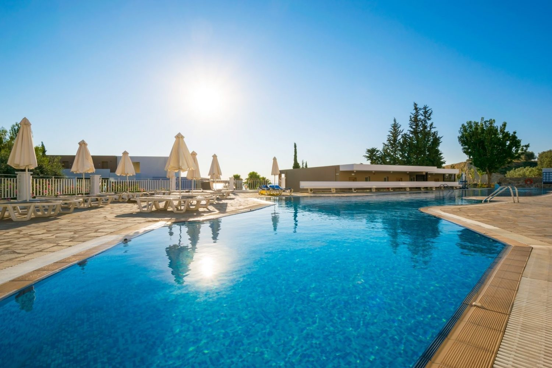 бассейн отеля Porto Angeli