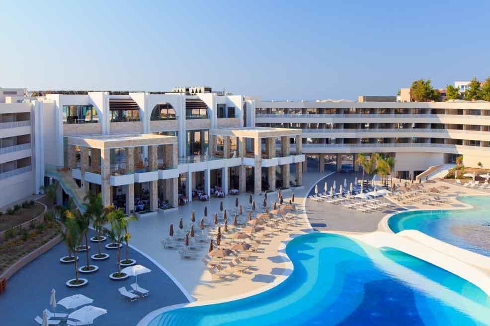 бассейн отеля Princess Andriana Resort & Spa