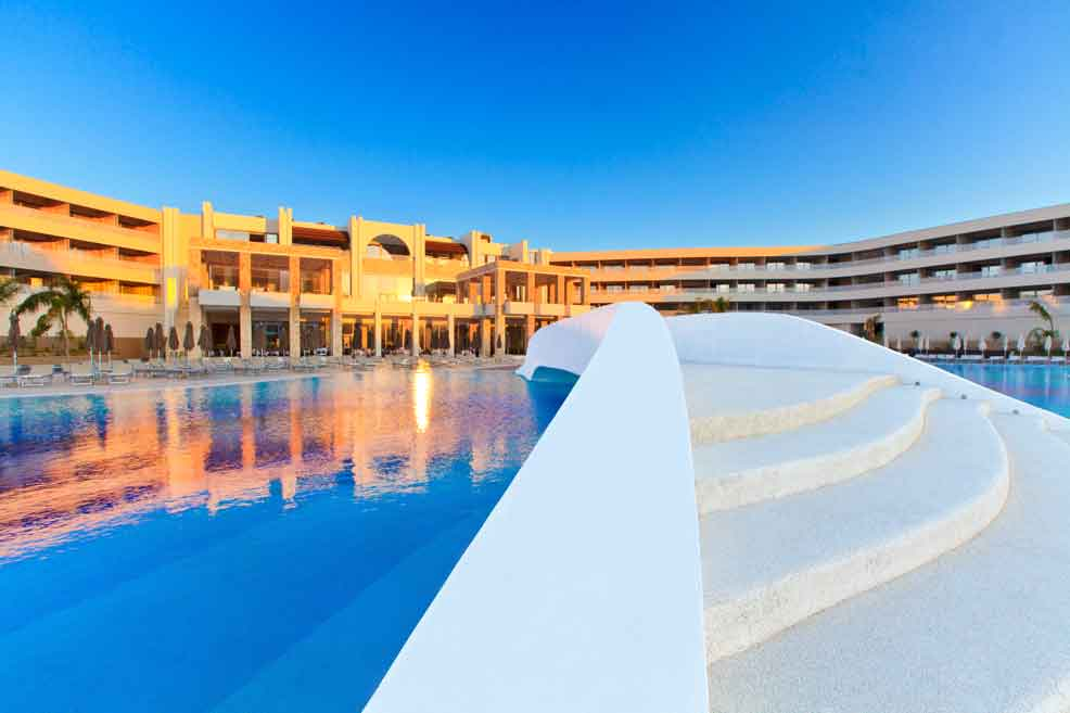 бассейн отеля Princess Andriana Resort & Spa