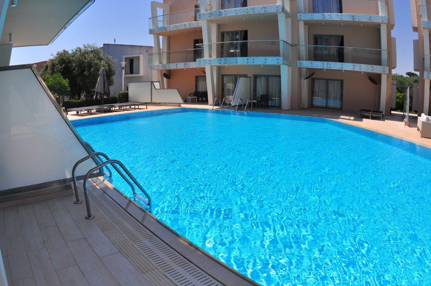бассейн отеля Eden Roc
