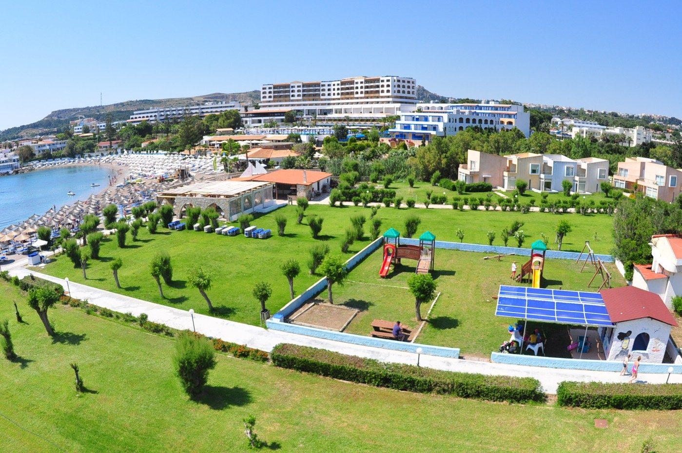 территория отеля Eden Roc
