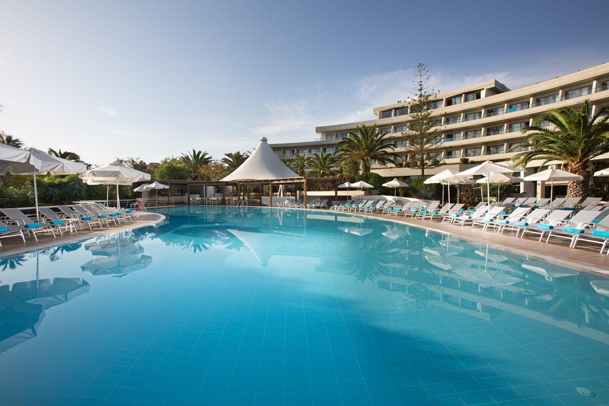 бассейн отеля Agapi Beach