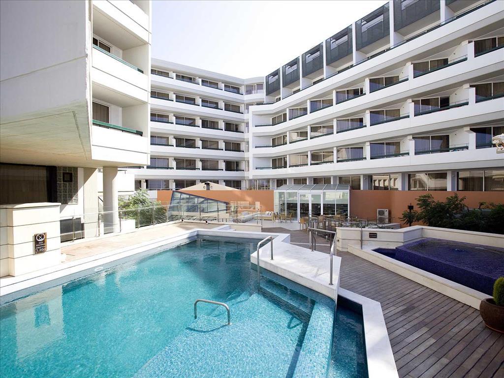 бассейн отеля Aquila Porto Rethymno