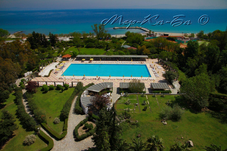 территория отеля Athos Palace