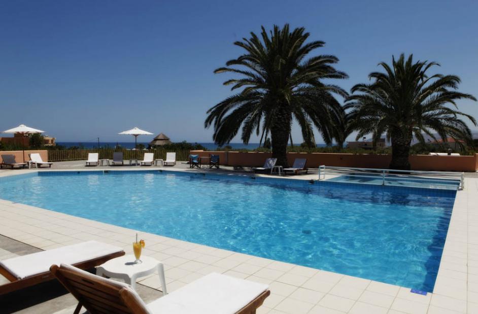 территория отеля Fereniki Holiday Resort