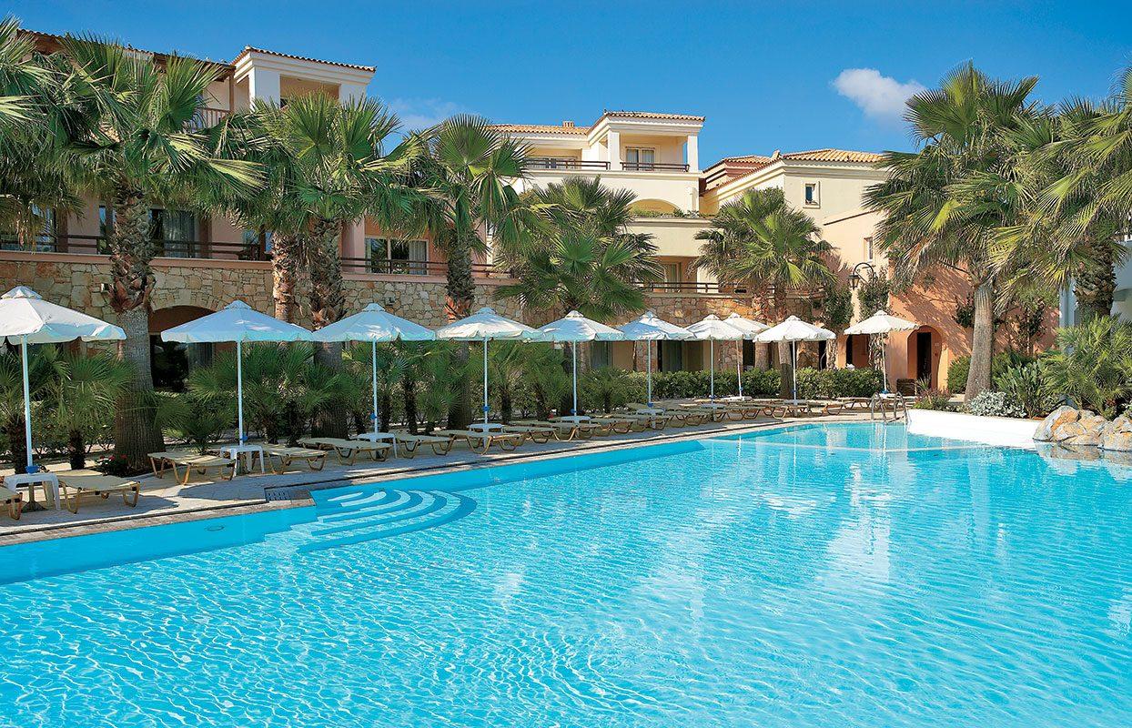 бассейн отеля Grecotel Marine Palace Suites