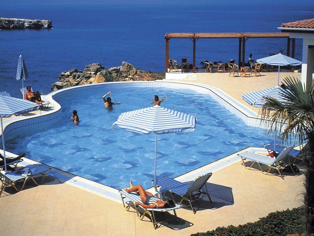 бассейн отеля Iberostar Creta Panorama & Mare