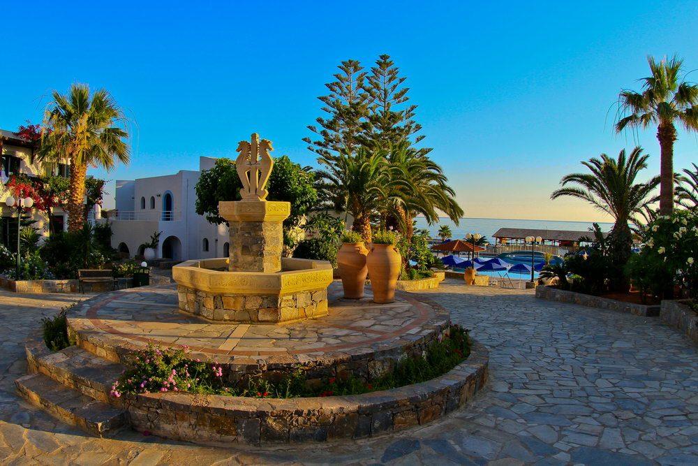 территория отеля Nana Beach