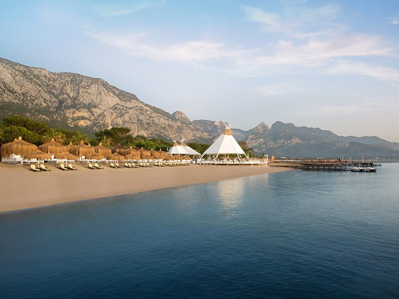 пляж отеля Paloma Renaissance Antalya Beach Resorts & Spa