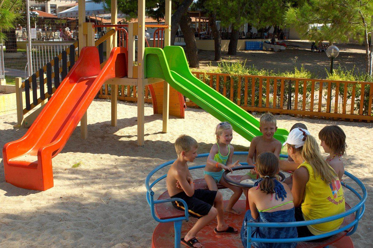 детская площадка отеля Portes Beach
