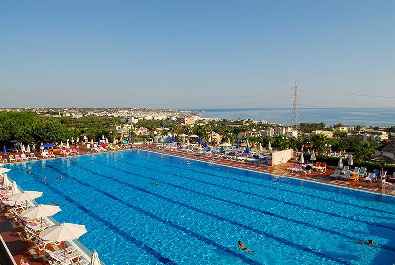 бассейн отеля Royal Belvedere