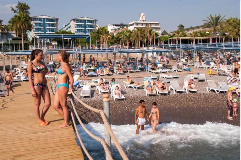 пляж отеля Concordia Celes