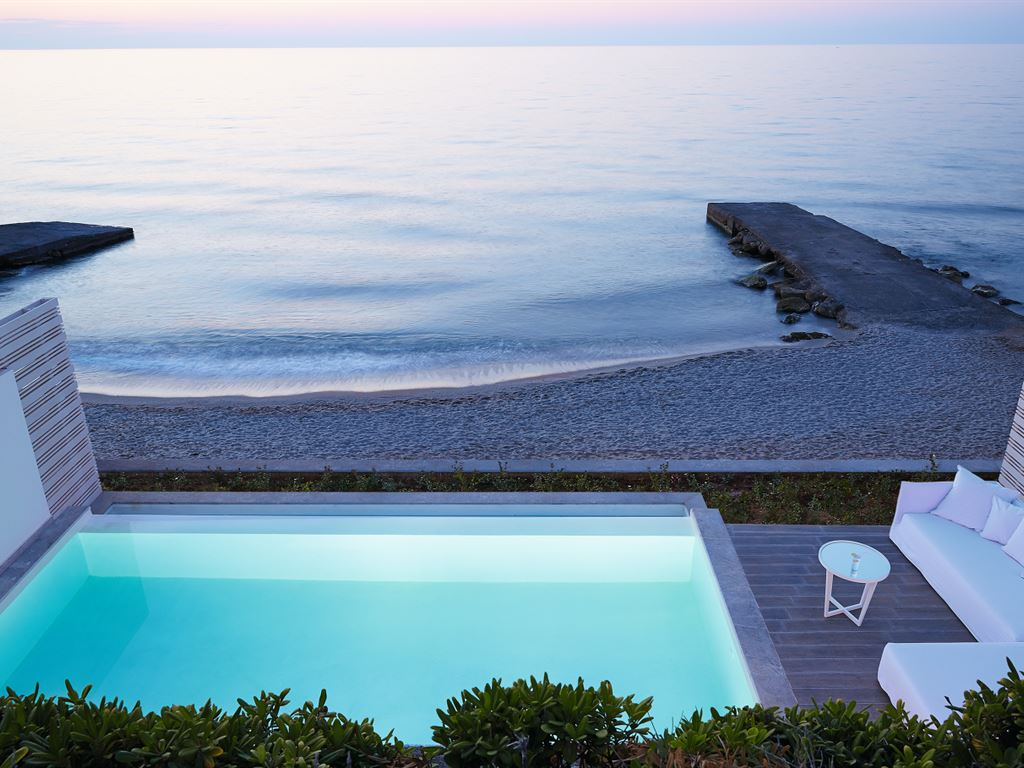 территория отеля The White Palace Grecotel Luxury Resort