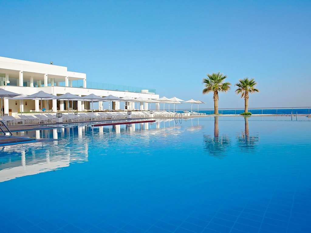 бассейн отеля The White Palace Grecotel Luxury Resort