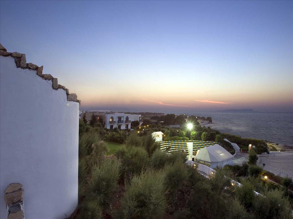 территория отеля Aldemar Cretan Village