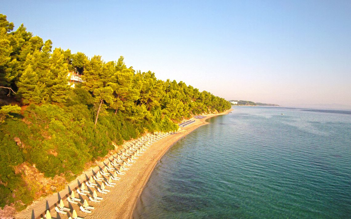 пляж отеля Kriopigi Beach