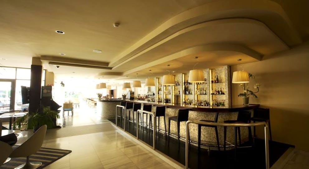 бар отеля Anabel