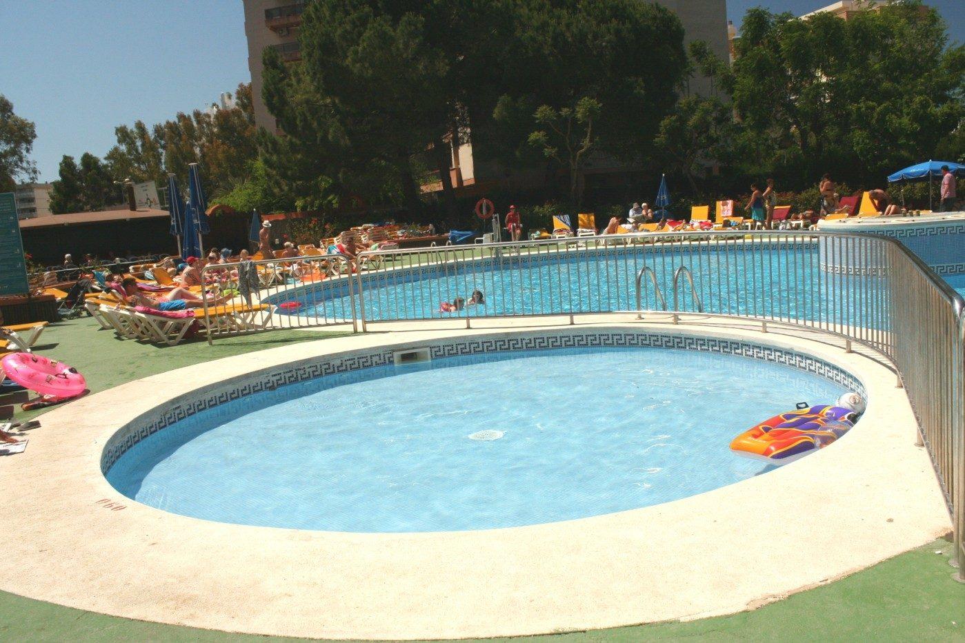 бассейн отеля Belvedere