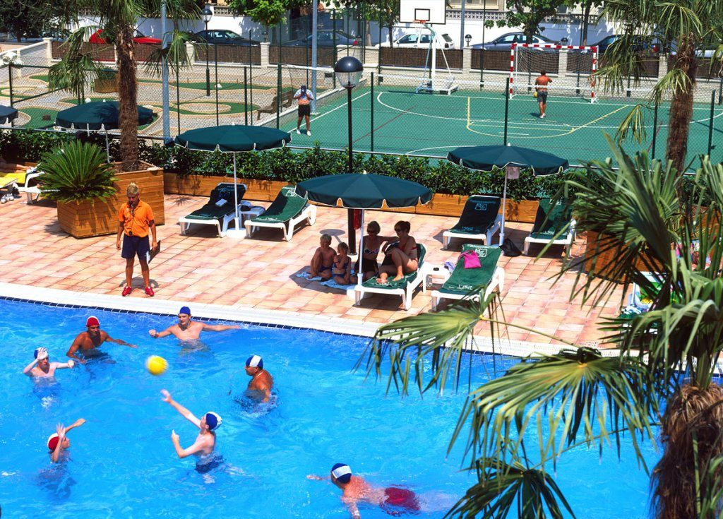 бассейн отеля Golden Bahia de Tossa
