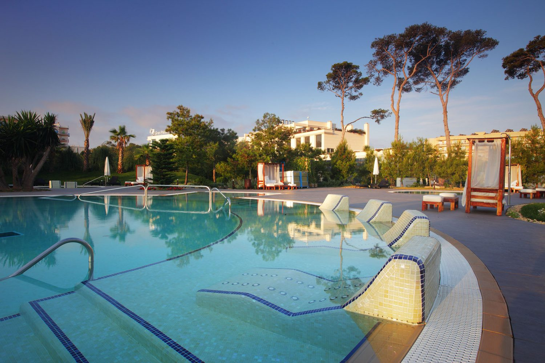 бассейн отеля Gran Palas Hotel