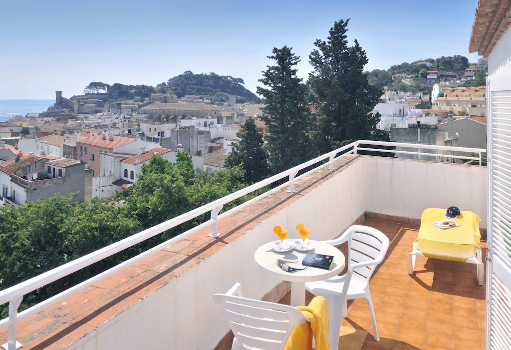 балкон отеля Neptuno
