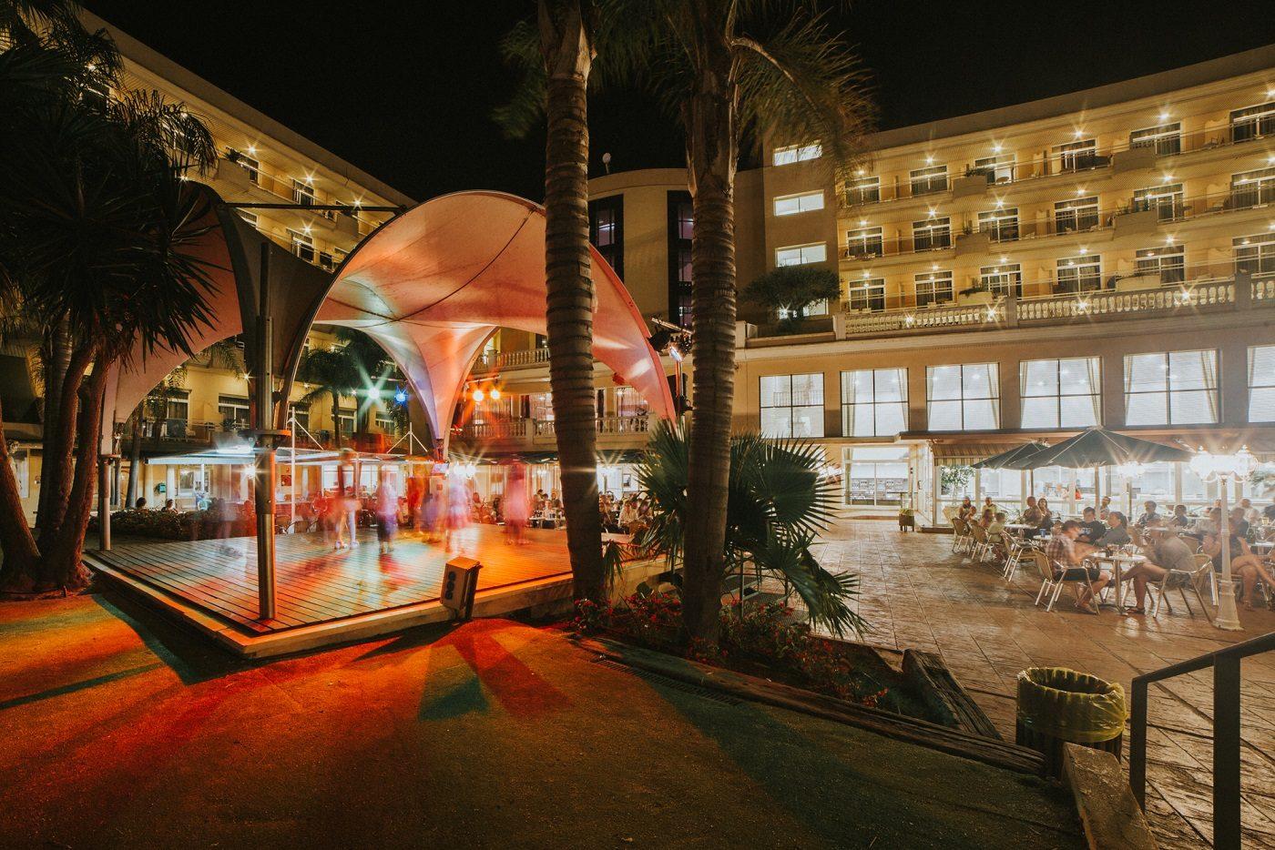 территория отеля Palas Pineda