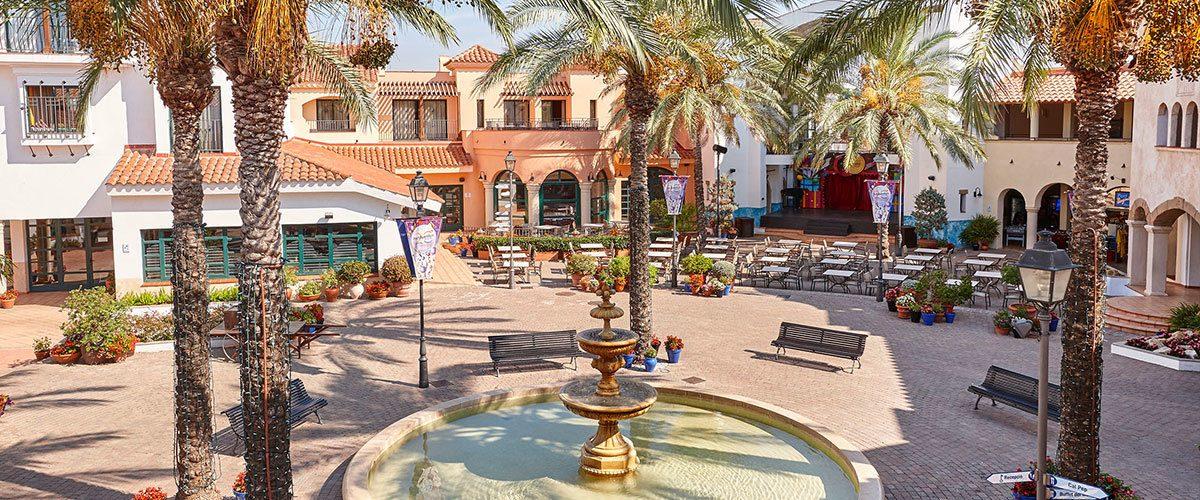 территория отеля Port Aventura
