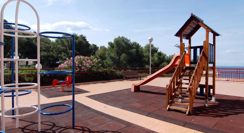 детская площадка отеля Albatros Aparthotel