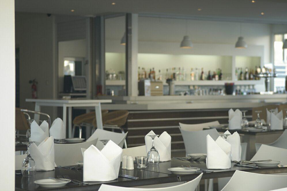 ресторан отеля Melpo Antia