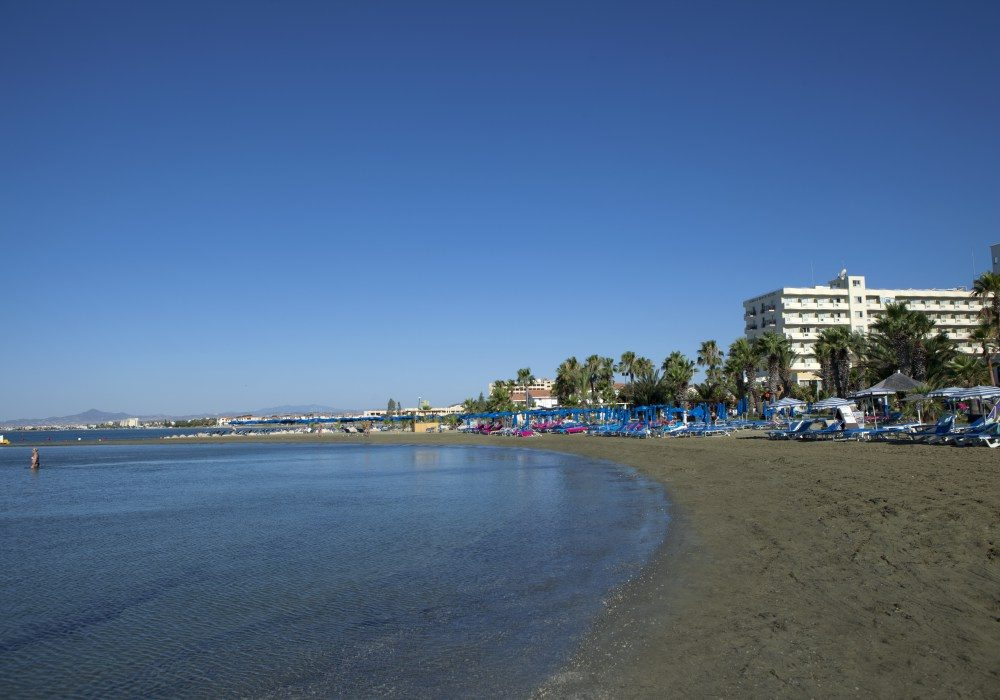 пляж отеля Lordos Beach