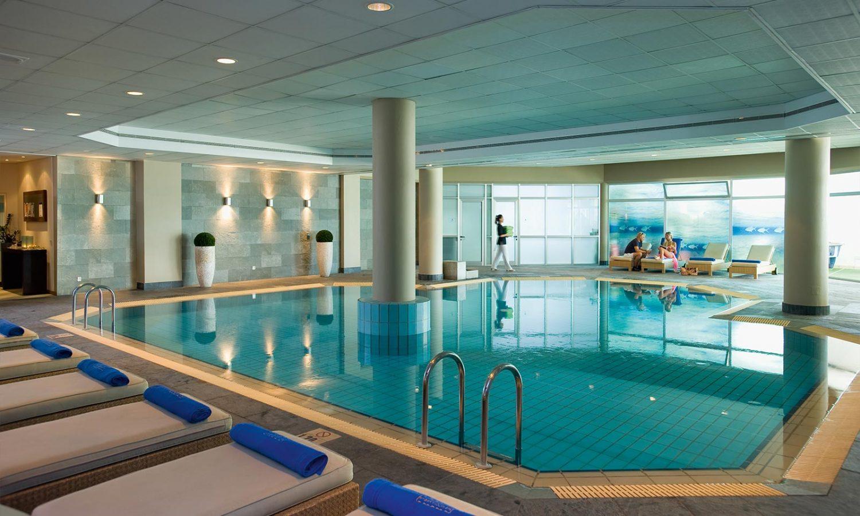 бассейн отеля Mediterranean Beach