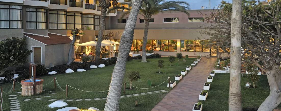 территория отеля Sol Tenerife
