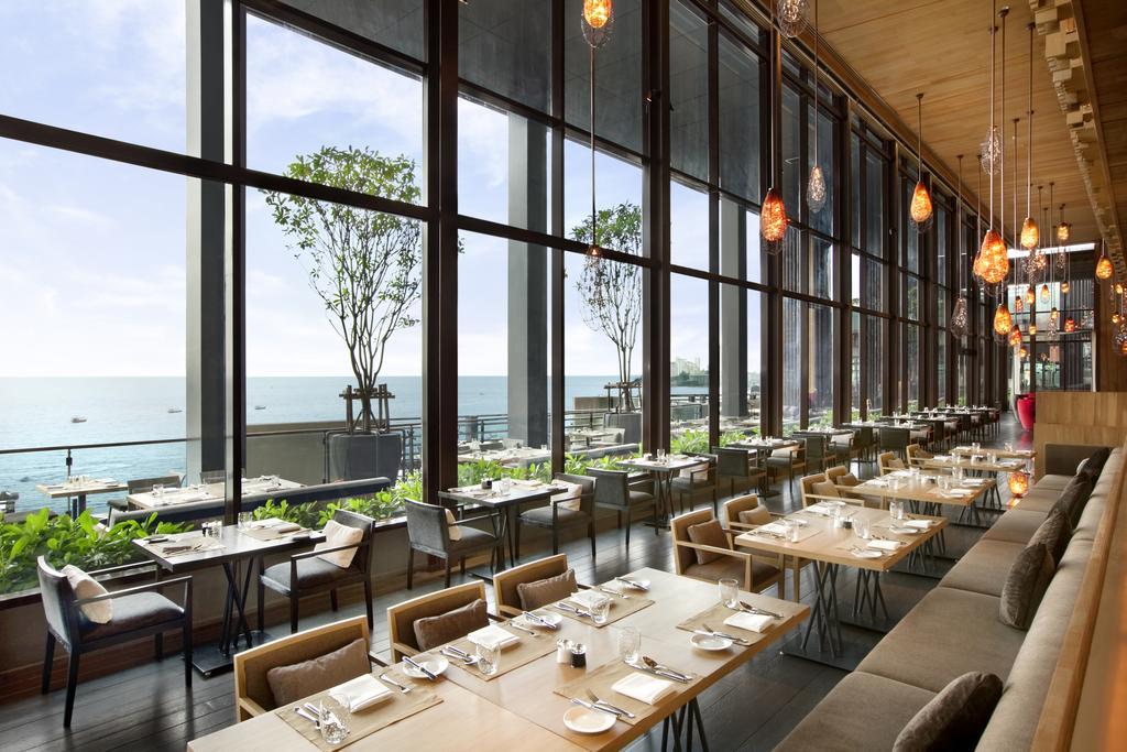 ресторан отеля Hilton Pattaya