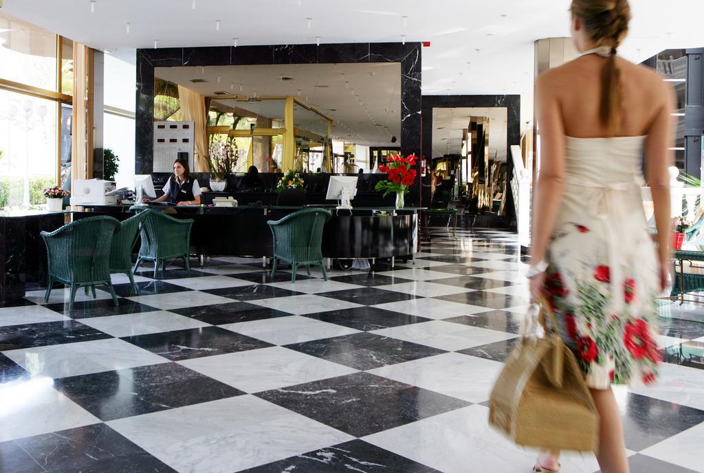 корпус отеля Cleopatra Palace