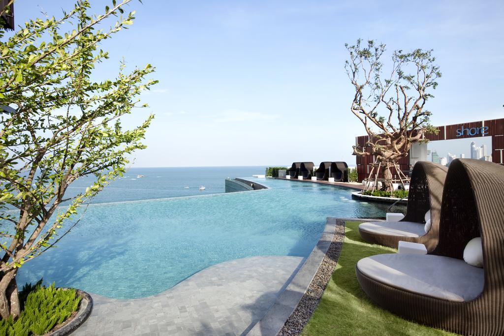 инфинити бассейн отеля Hilton Pattaya