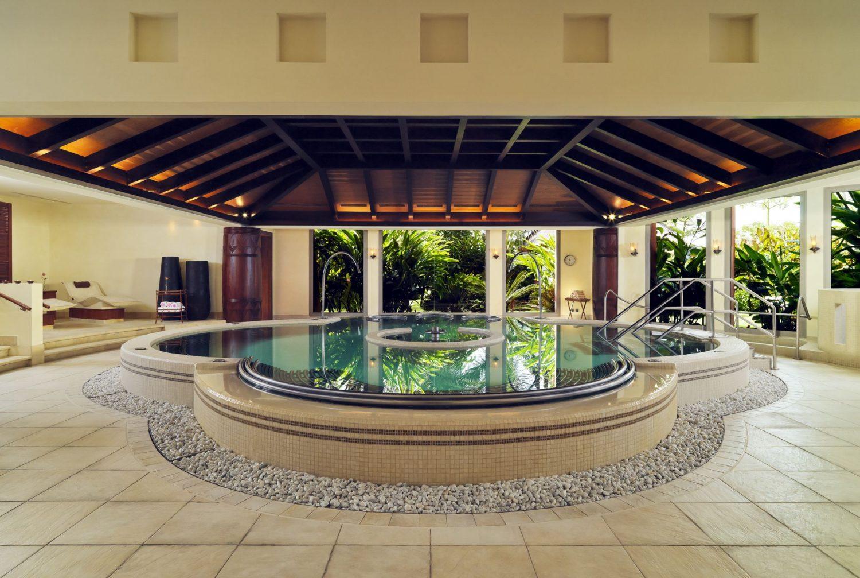 территория отеля The Ritz Carlton Abama