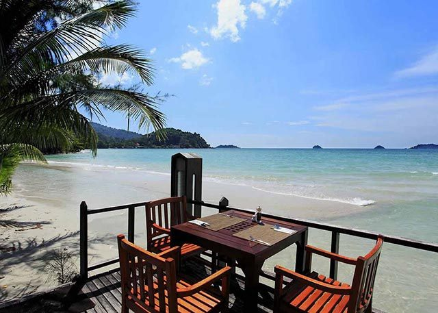 пляж отеля Centara Koh Chang Tropicana Resort